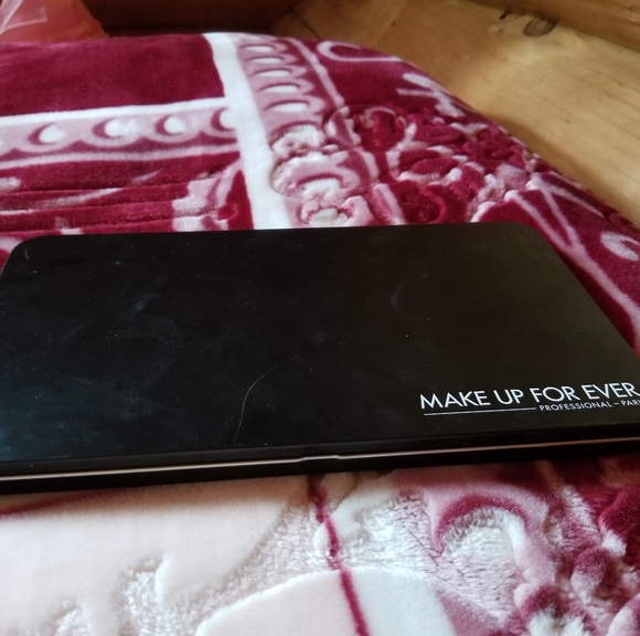 Makeup Forever Other - Eyeshadow palette